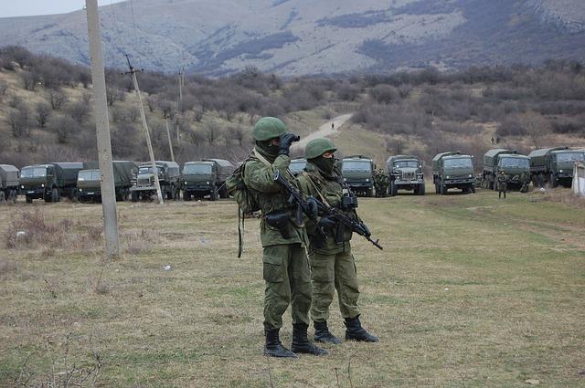 Żołnierz zawodowy, Cywilni pracownicy armii