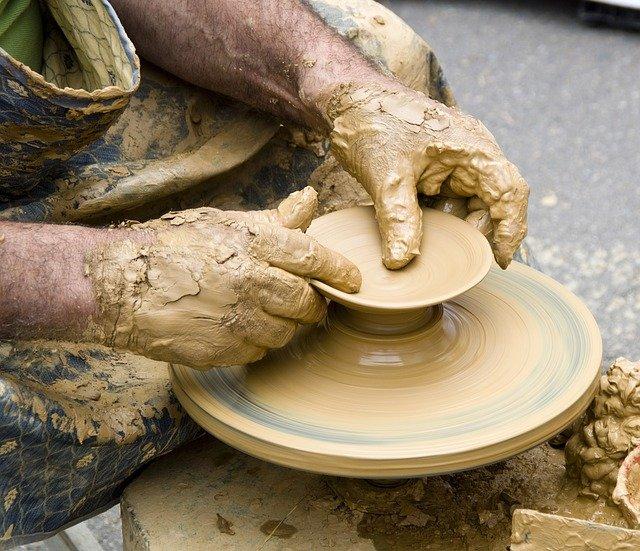 Ceramik wyrobów budowlanych