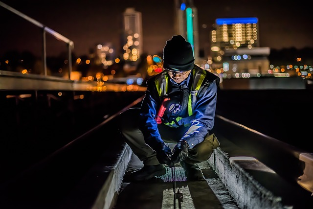 Pracownik na zmianie nocnej