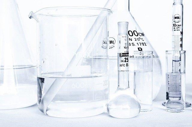 Analityk chemiczny